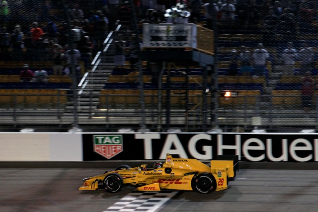 Ryan Hunter-Reay and Honda successfully repeated their 2014 victory Saturday night at Iowa Speedway